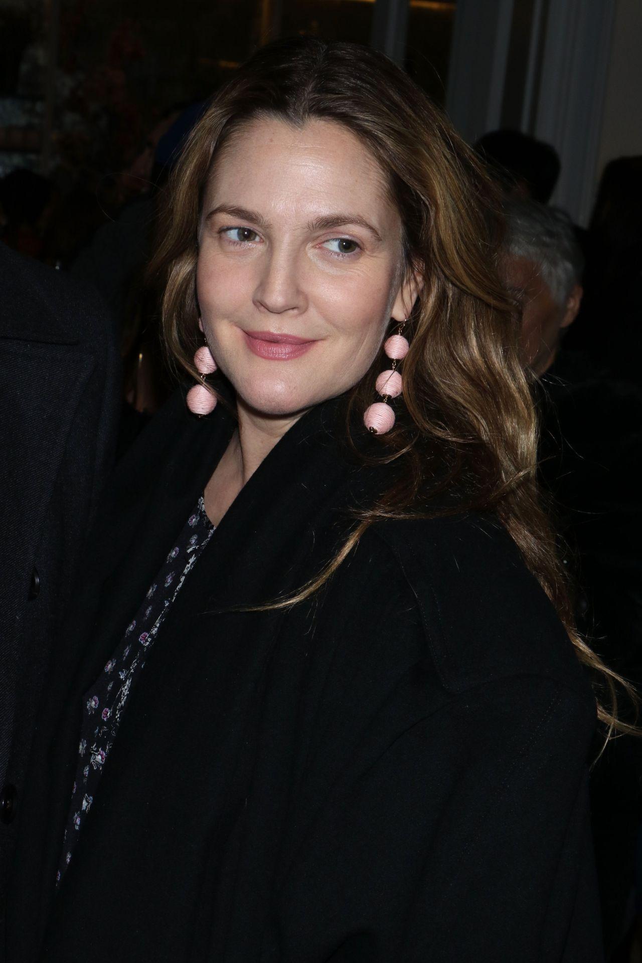 Drew Barrymore - Club Monaco Fashion Presentation in New ... Drew Barrymore