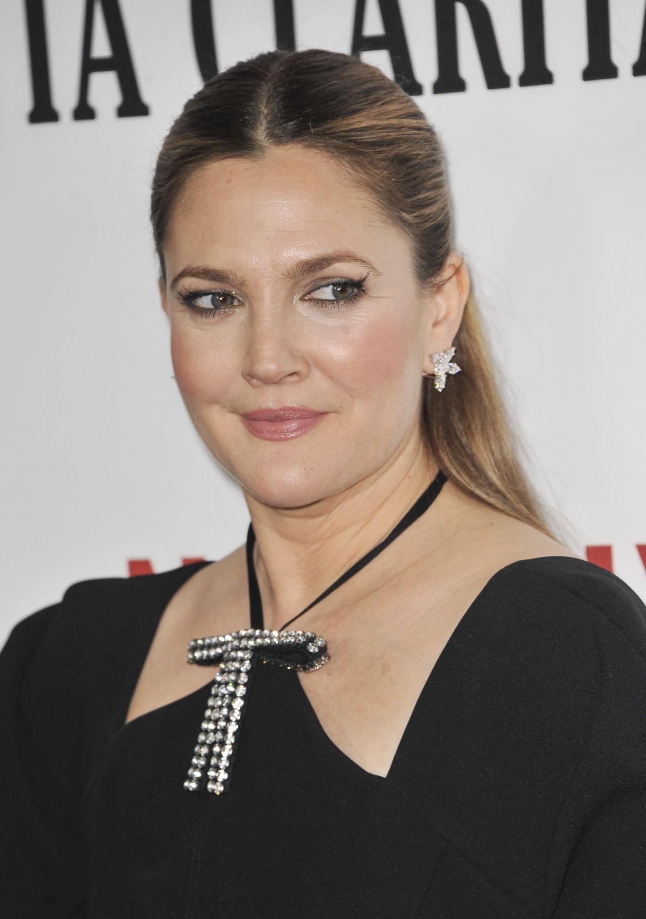 Drew Barrymore – Netflix's 'Santa Clarita Diet' Premiere ... Drew Barrymore
