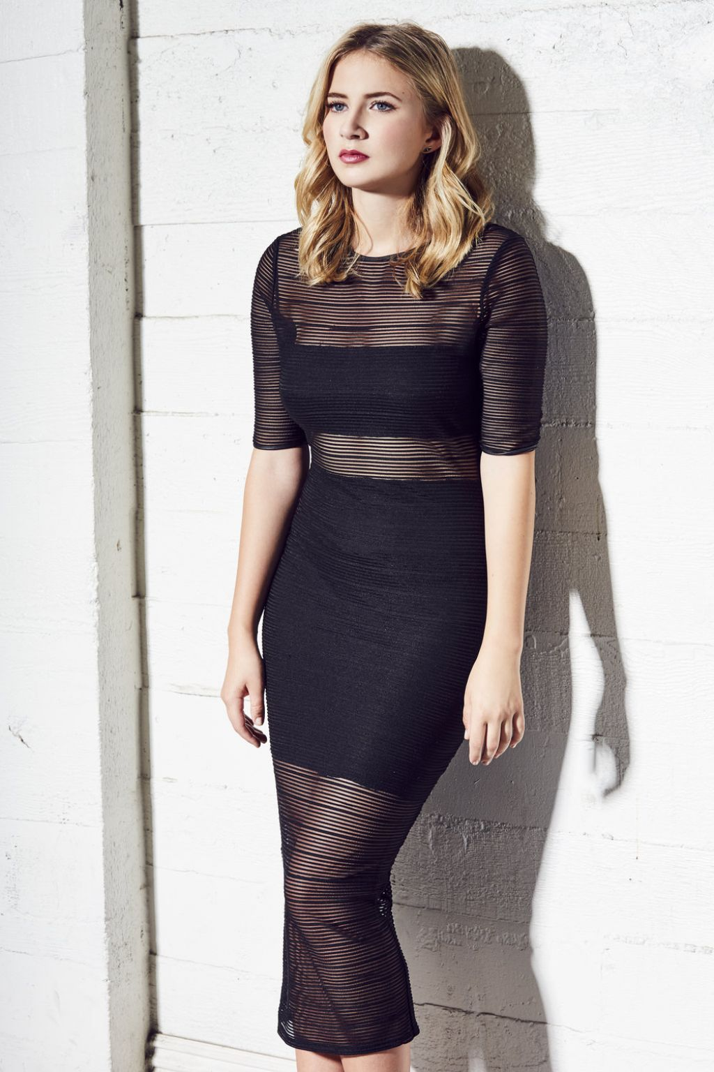 https://celebmafia.com/wp-content/uploads/2017/02/eliza-bennett-photoshoot-february-2017-3.jpg
