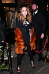 Ella Eyre - Garnier Ultimate Blends Popup Launch in London 2/8/2017