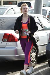 Elle Fanning - Heads to the Gym in Los Angeles 2/2/ 2017