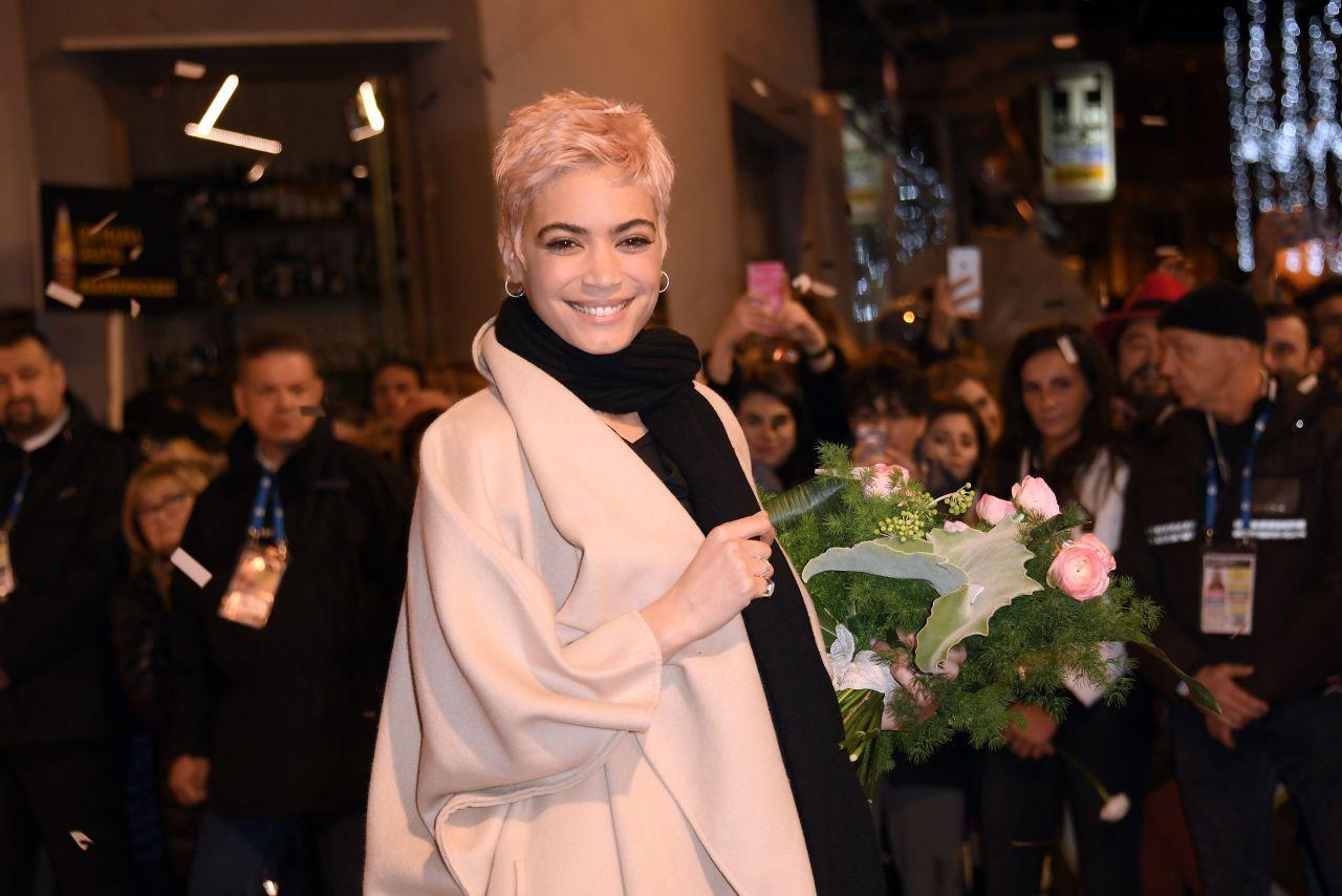 Elodie: Sanremo Music Festival 2017, Italy 2/6