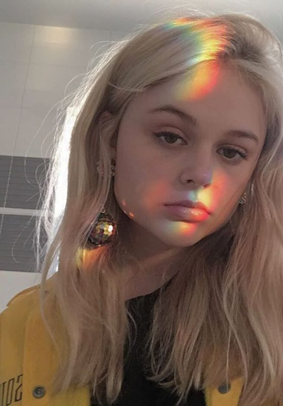 Emily Alyn Lind - Social Media Pics, February 2017