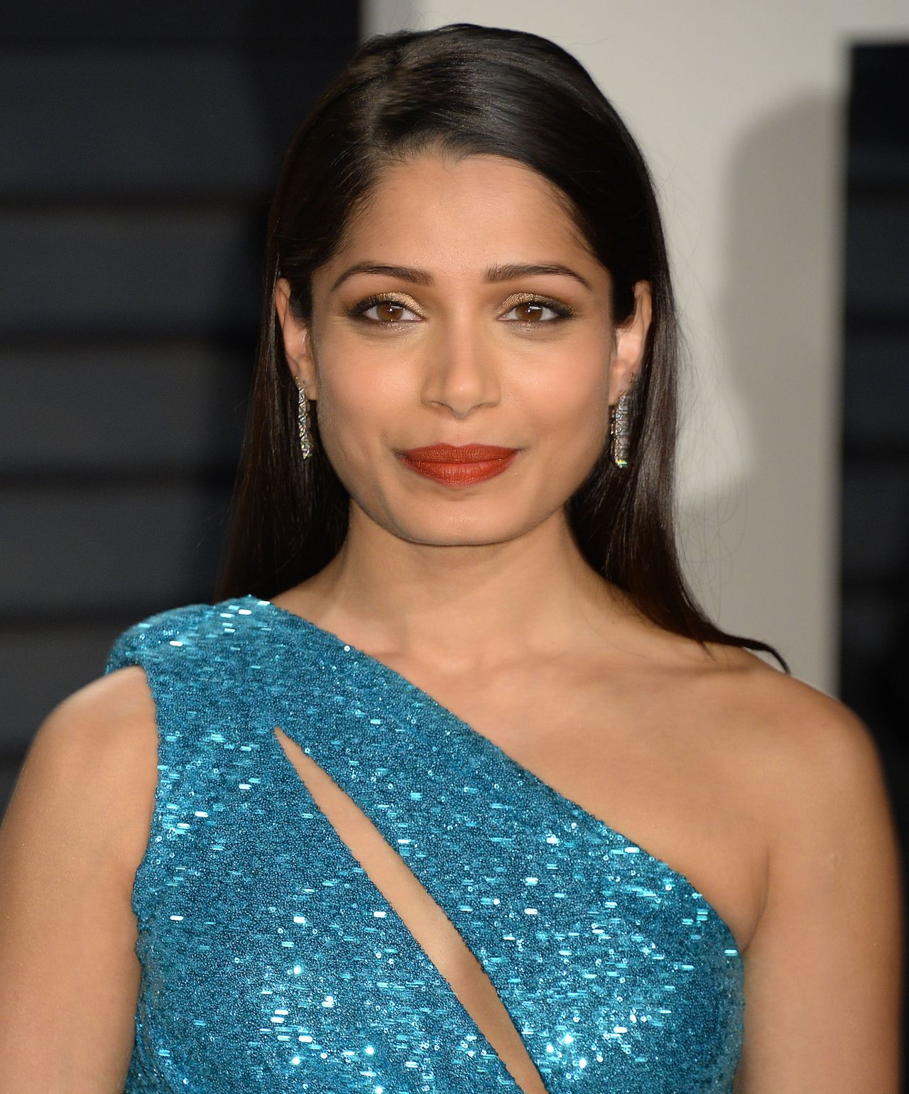 Freida Pinto Vanity Fair Oscar 2017 Party In Los Angeles