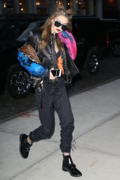 Gigi Hadid - Arriving at Her Apartment in New York City 2/15/ 2017