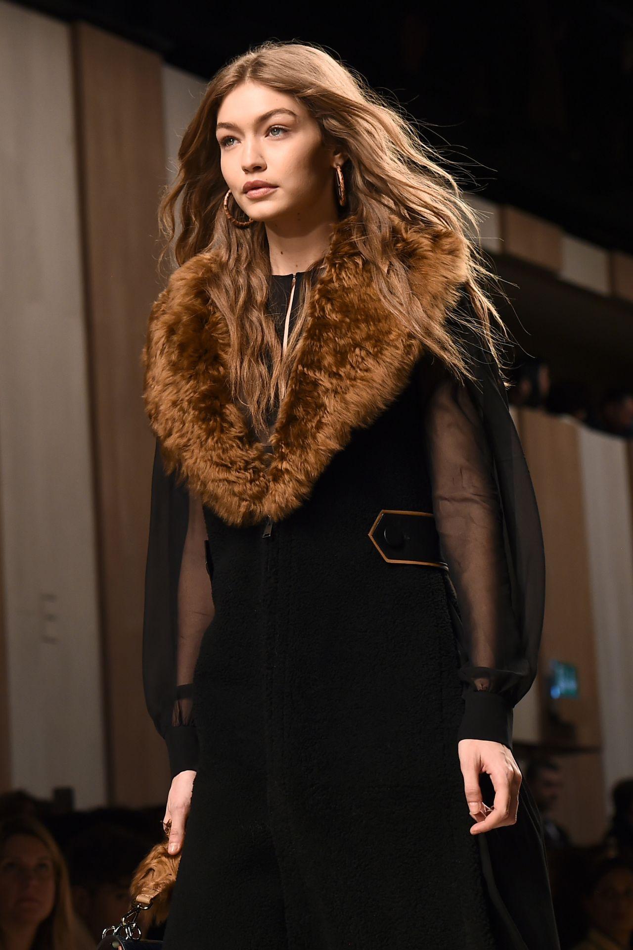 Gigi hadid supermodel runway walk at milan fashion week for Gigi hadid fashion week