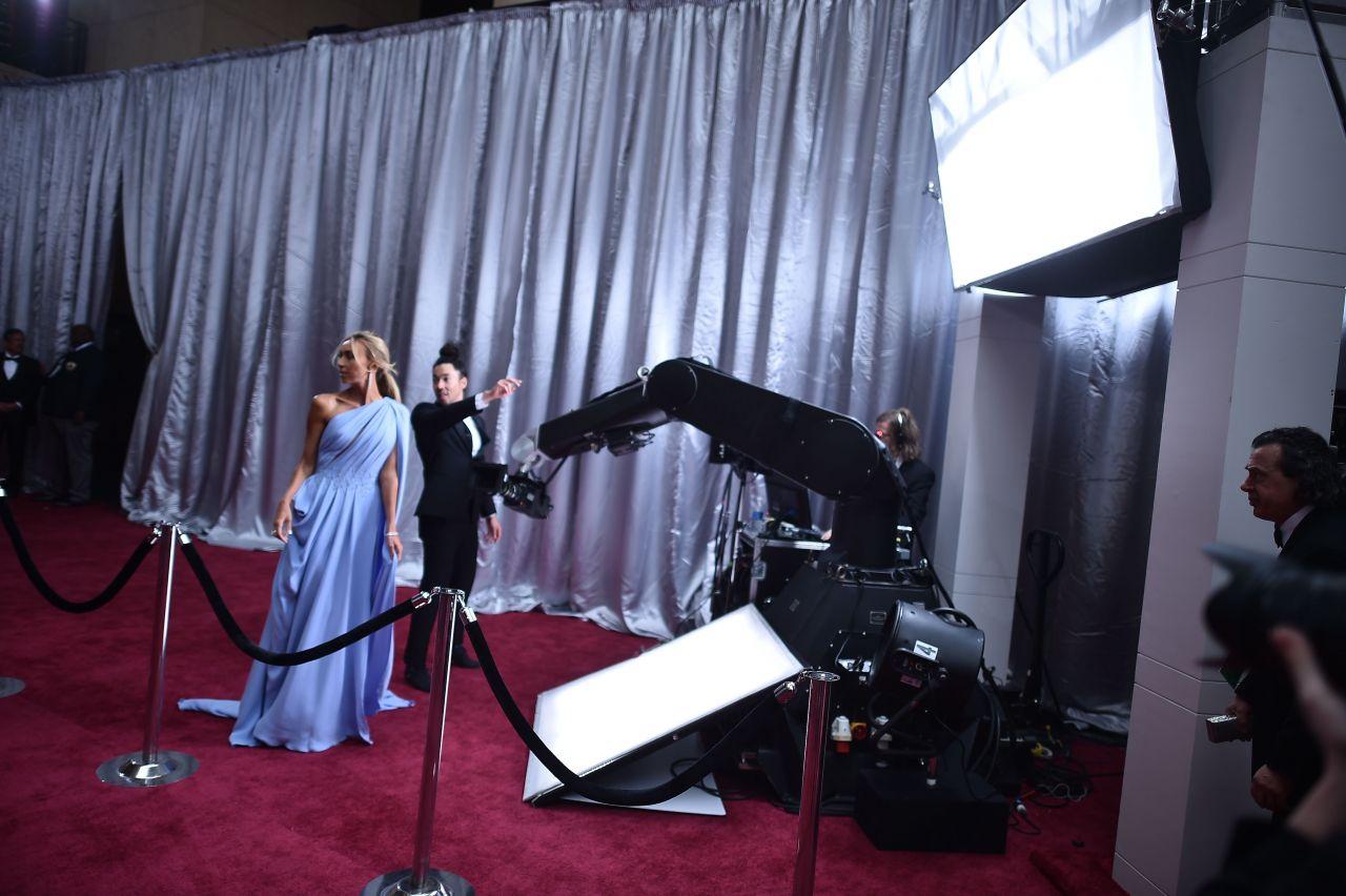 Giuliana Rancic - Oscar Red Carpet in Hollywood 2/26/ 2017
