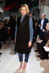 Greta Gerwig – Calvin Klein Show – Fall Winter 2017 in New York 2/10 /2017