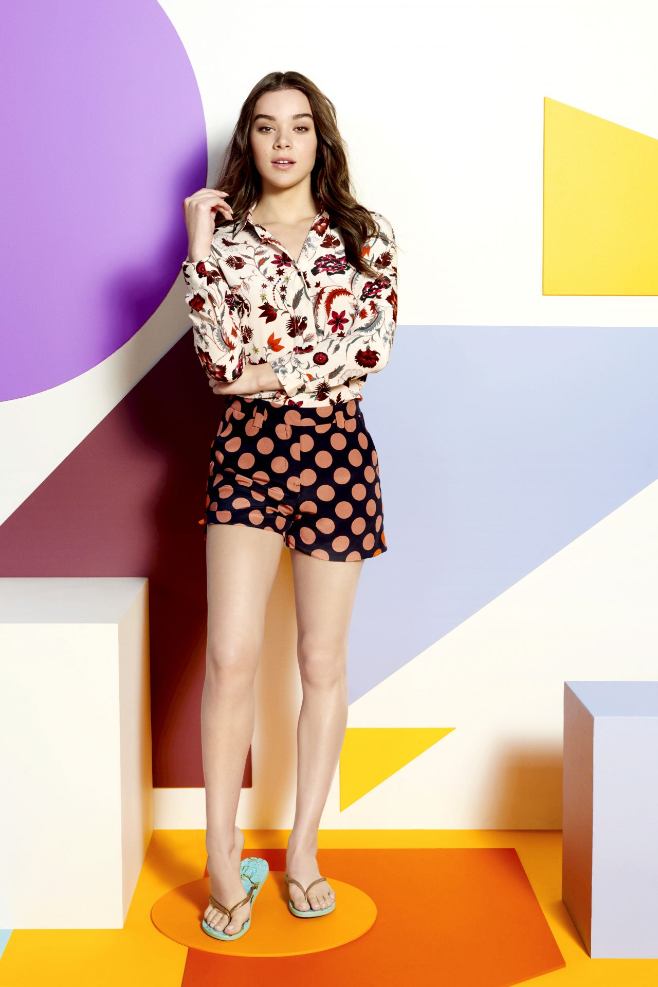 Hailee Steinfeld - Reef Escape Collection campaign by Yu ...