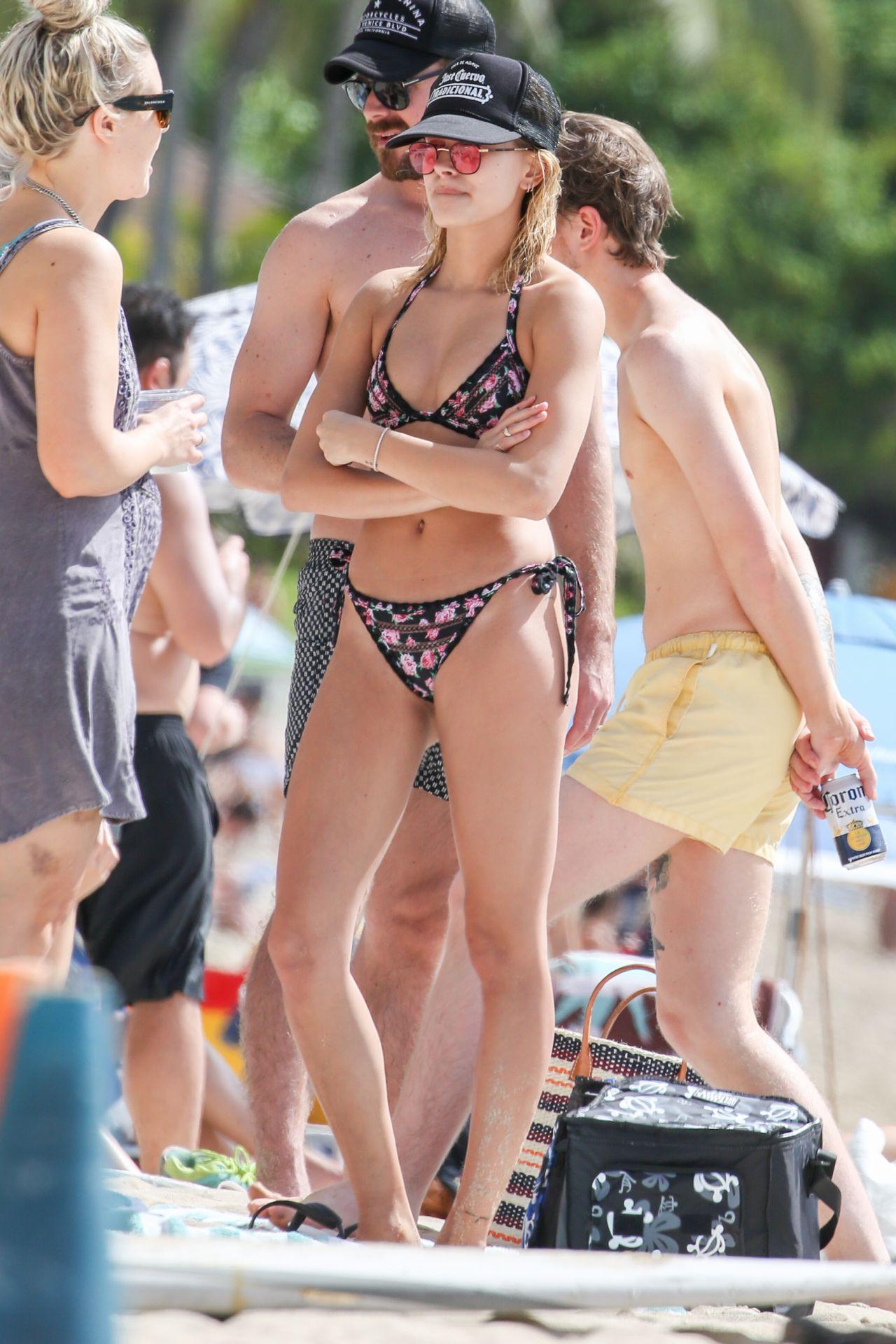 Hailey Baldwin In A Bright Two Piece Bikini In Hawaii