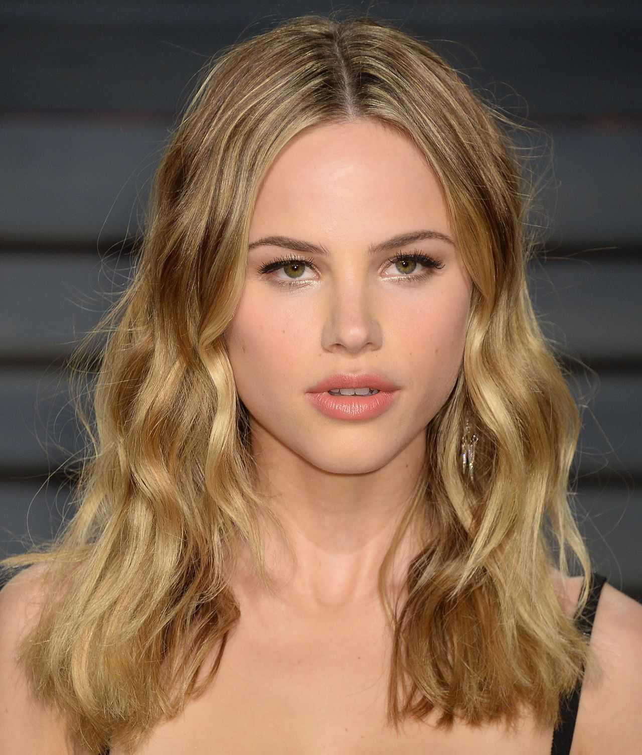 Halston Sage At Vanity Fair Oscar 2017 Party In Los Angeles