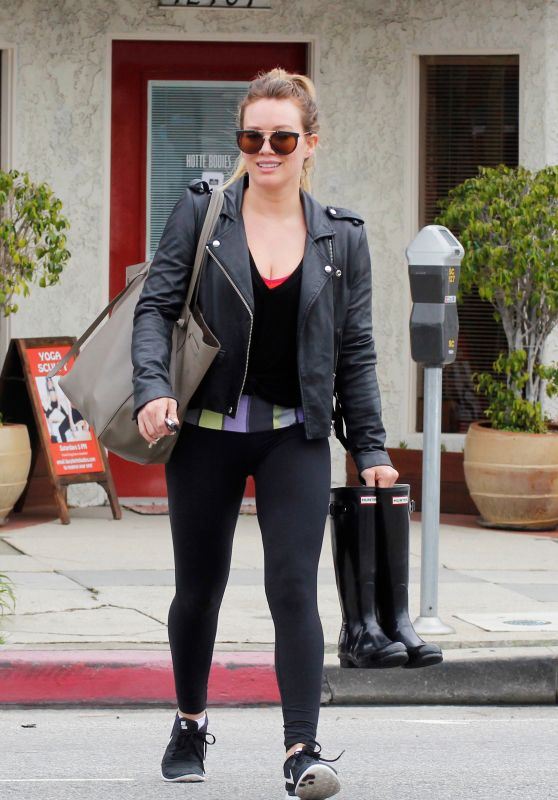Hilary Duff in Spandex - Leaviyng a Gym in Los Angeles 2/21/ 2017