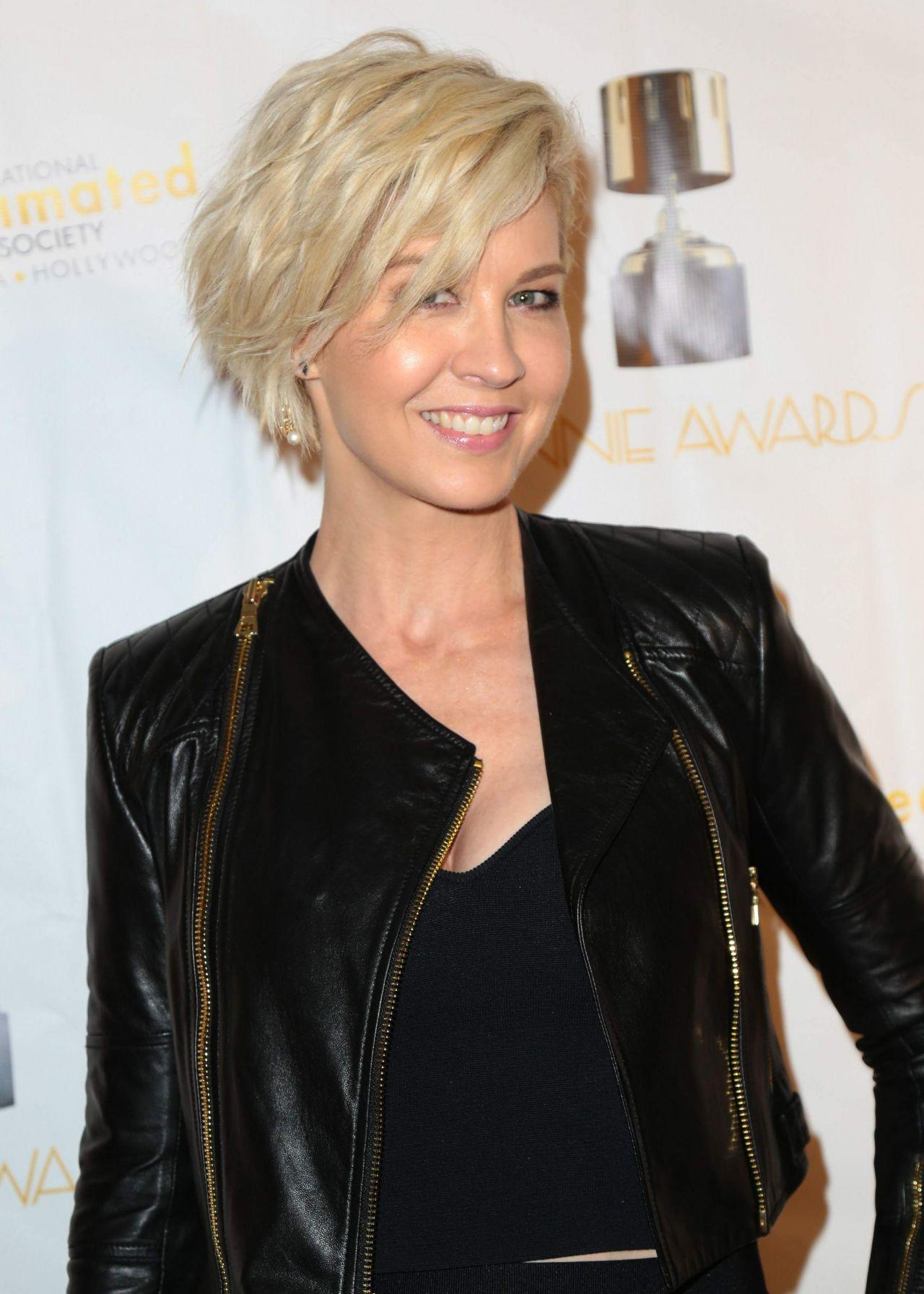 Jenna Elfman Annie Awards In Los Angeles 25 2017