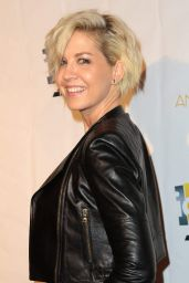Jenna Elfman - Annie Awards in Los Angeles 2/5/ 2017