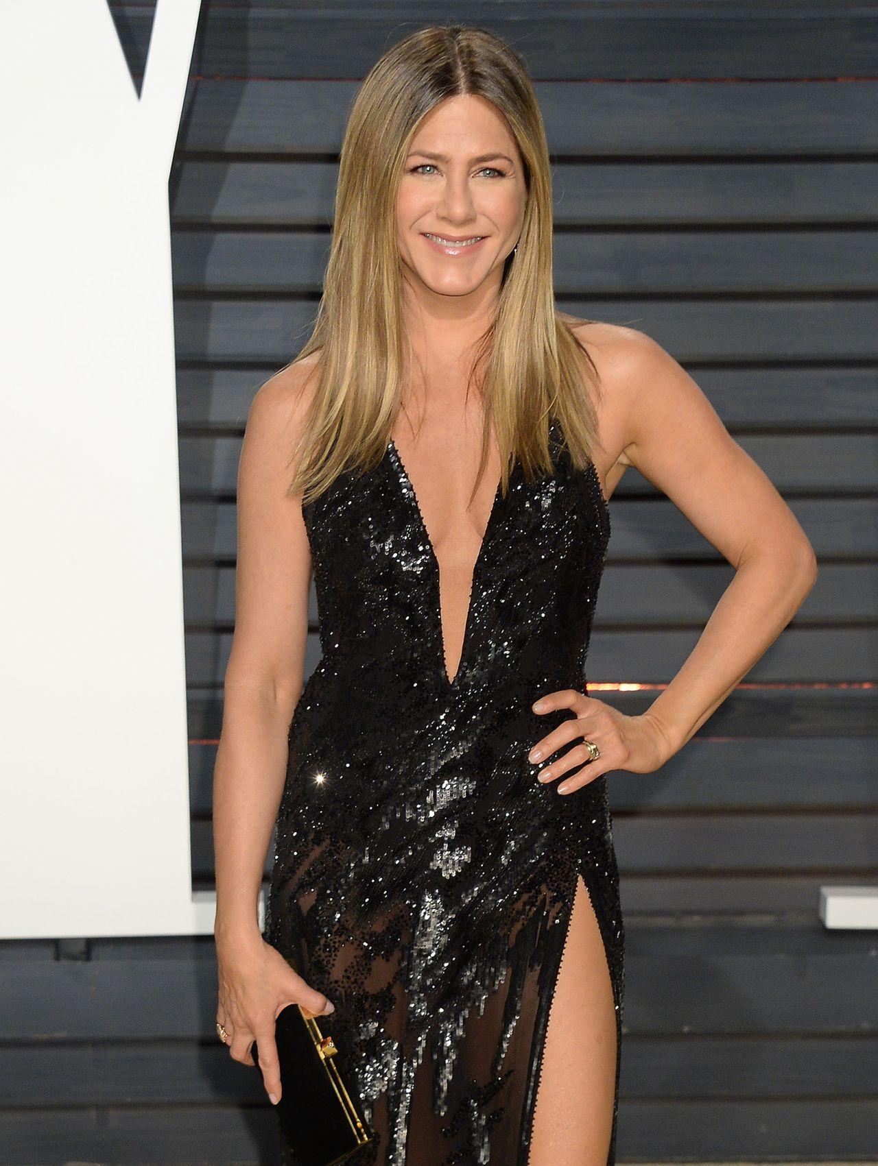 Jennifer Aniston at Va...