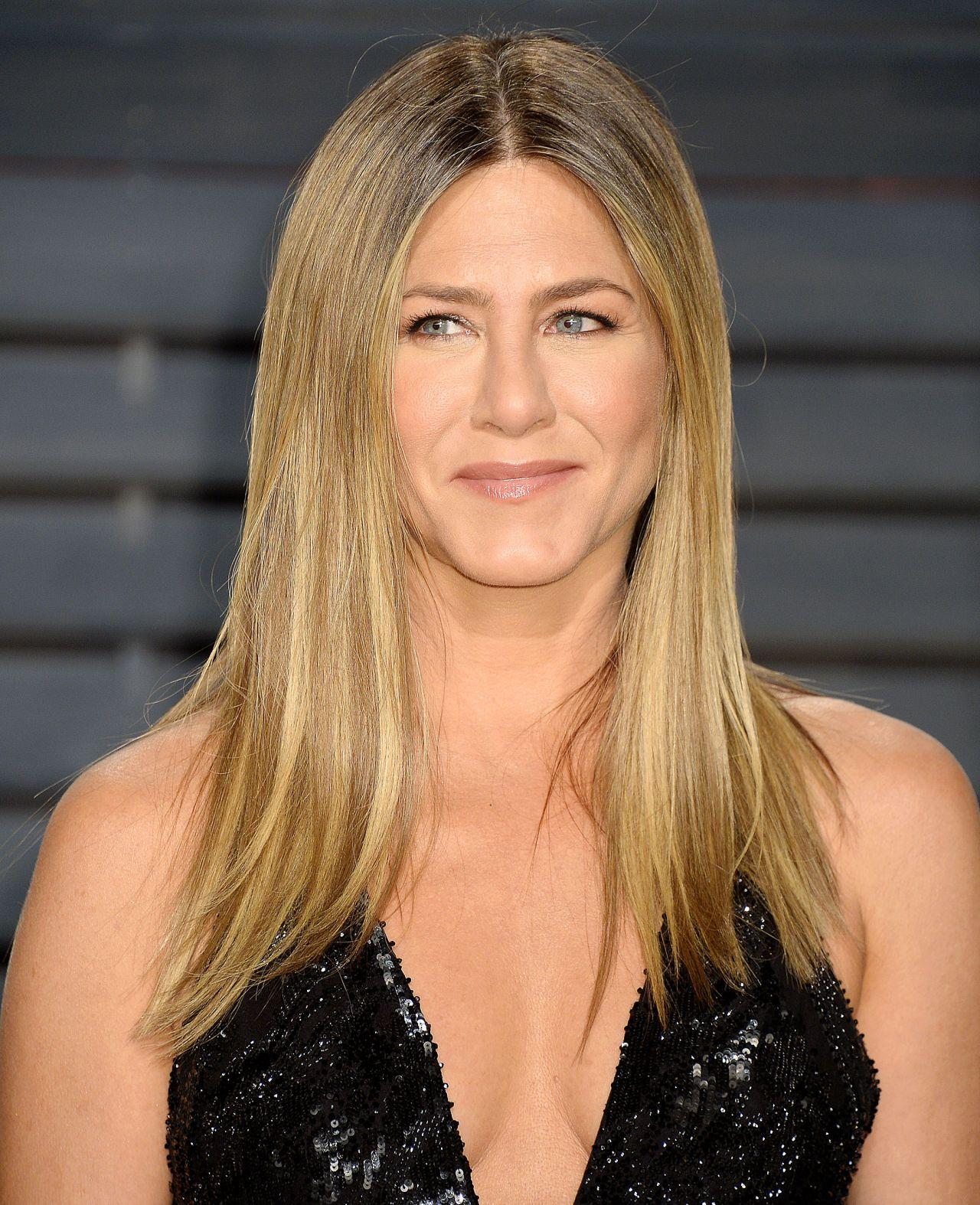 Jennifer Aniston at Vanity Fair Oscar 2017 Party in Los ...  Jennifer Anisto...