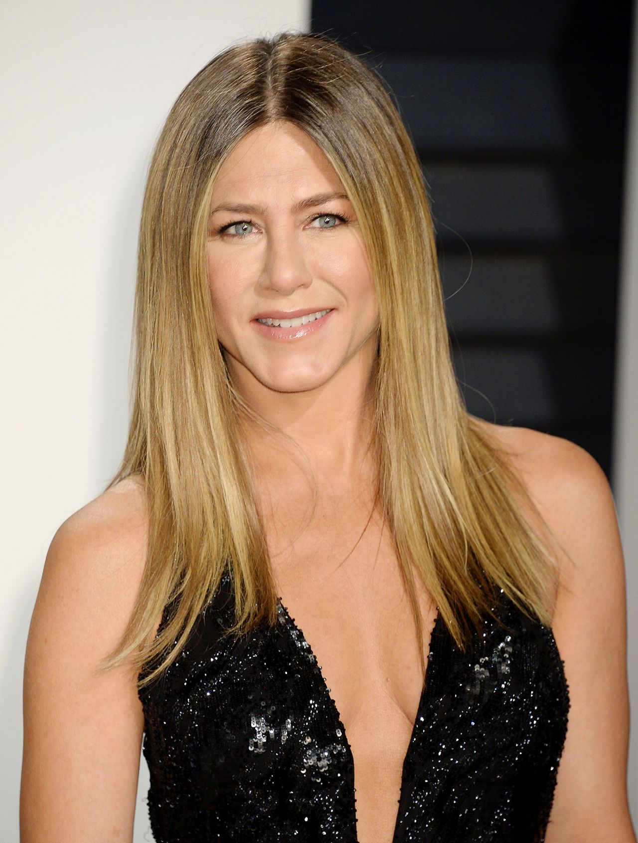 Jennifer Aniston at Va... Jennifer Aniston
