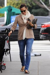 Jennifer Garner - Leaving the Nail Salon in Los Angeles 2/16/ 2017