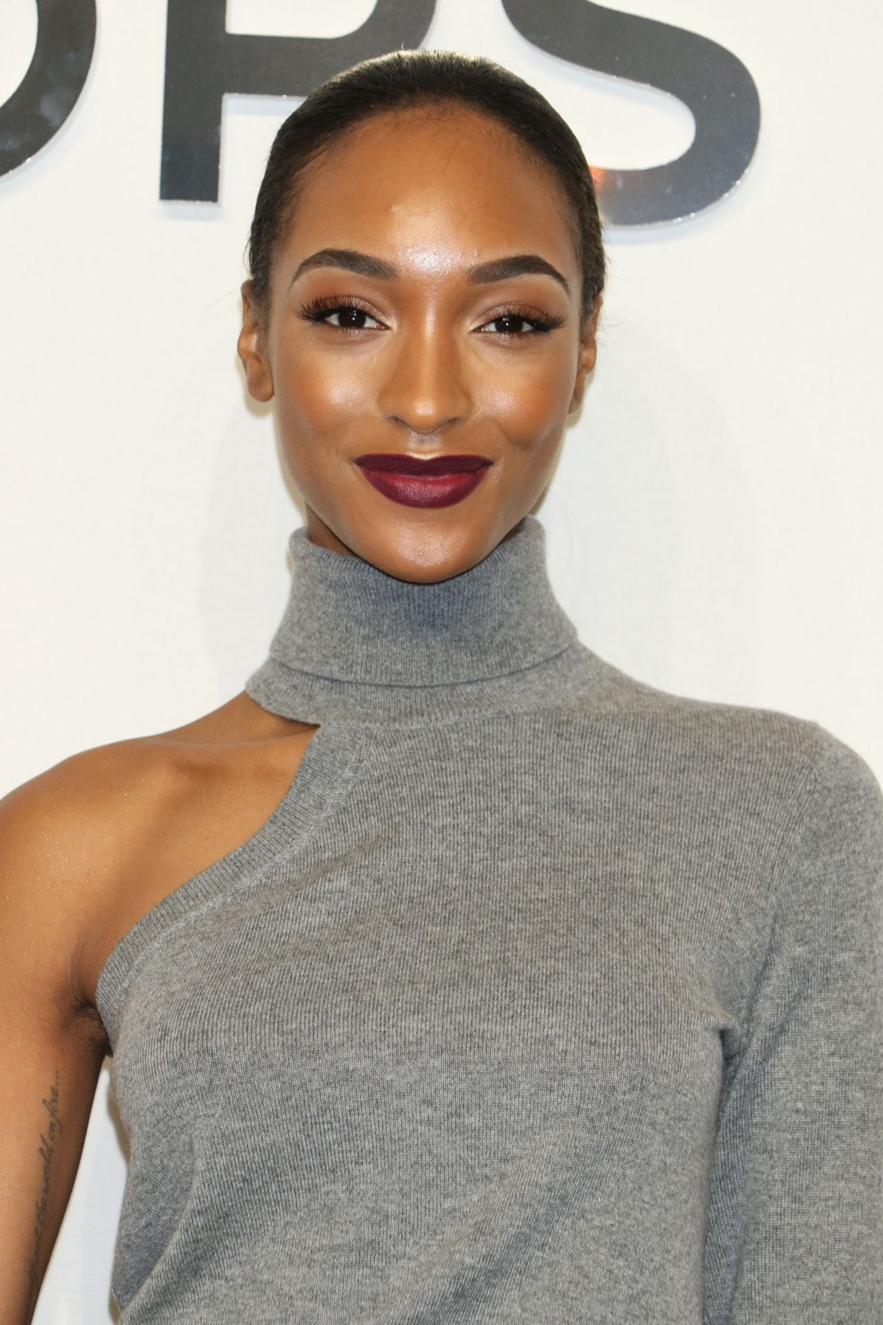 Jourdan Dunn Michael Kors Fashion Show In New York 2 15