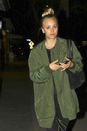 Kaley Cuoco - Grabs Dinner at Lemonade in Hollywood 2/2/ 2017