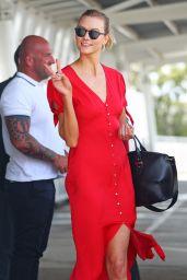 Karlie Kloss at Sydney International Airport 1/30/ 2017