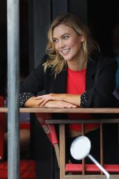 Karlie Kloss - Le Bar de L