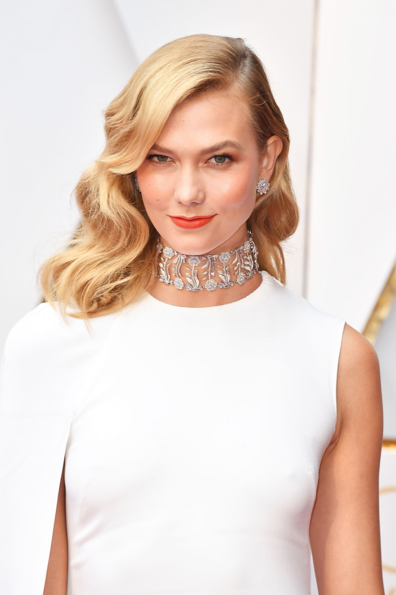 Karlie Kloss – Oscars 2017 Red Carpet in Hollywood, Part II