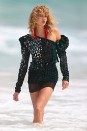 Karlie Kloss - Photoshoot on Bondi Beach in Australia 2/2/ 2017