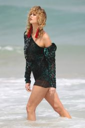Karlie Kloss - Photoshoot on Bondi Beach in Australia 2/2/ 2017