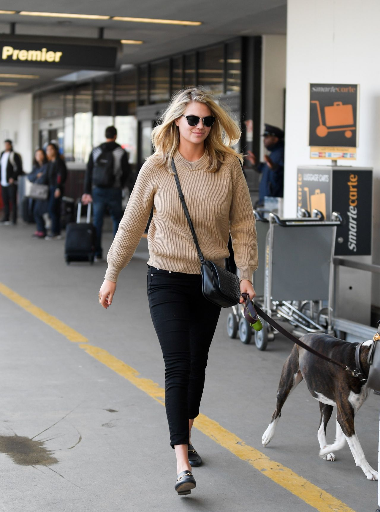 Kate Upton Casual Style Lax Airport In Los Angeles 2 2 2017