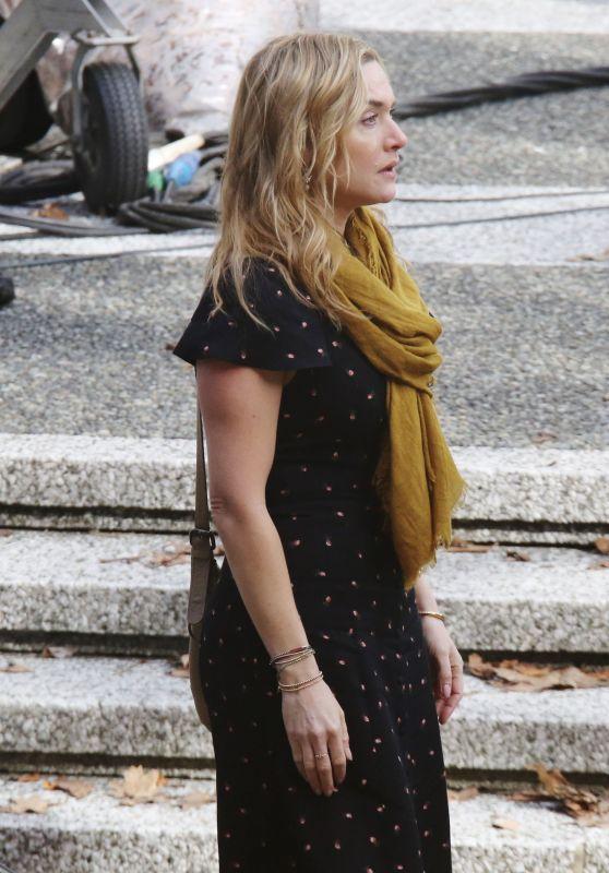 Kate Winslet and Idris Elba -