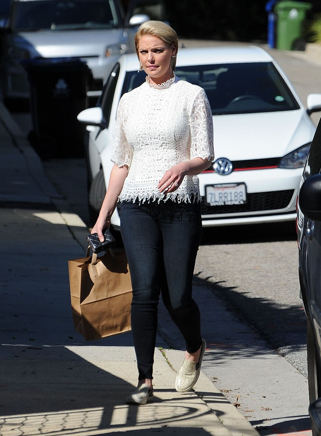 Katherine Heigl Casual Style Shopping In Los Feliz 2 15