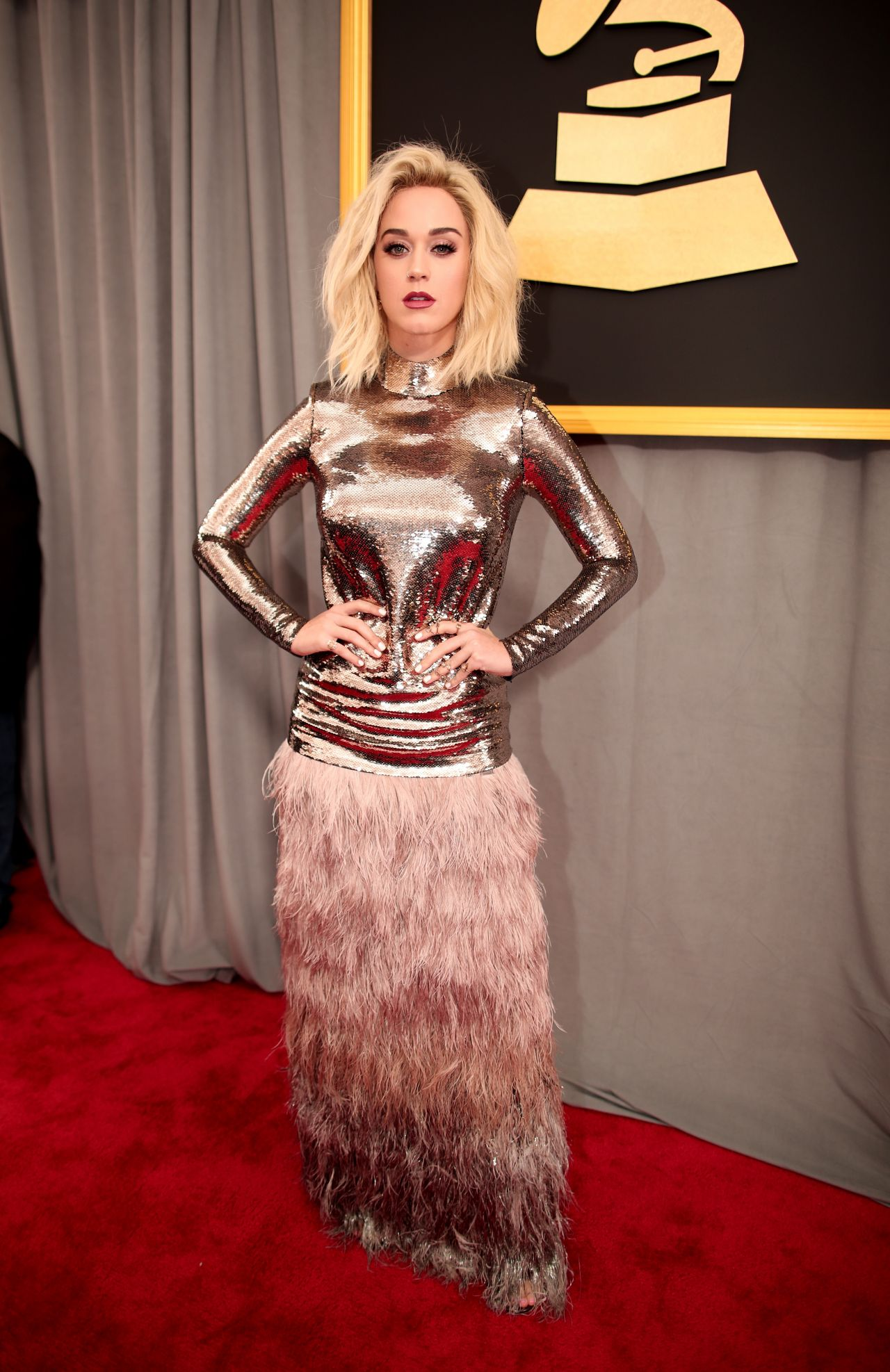 katy perry on red carpet � grammy awards in los angeles 2