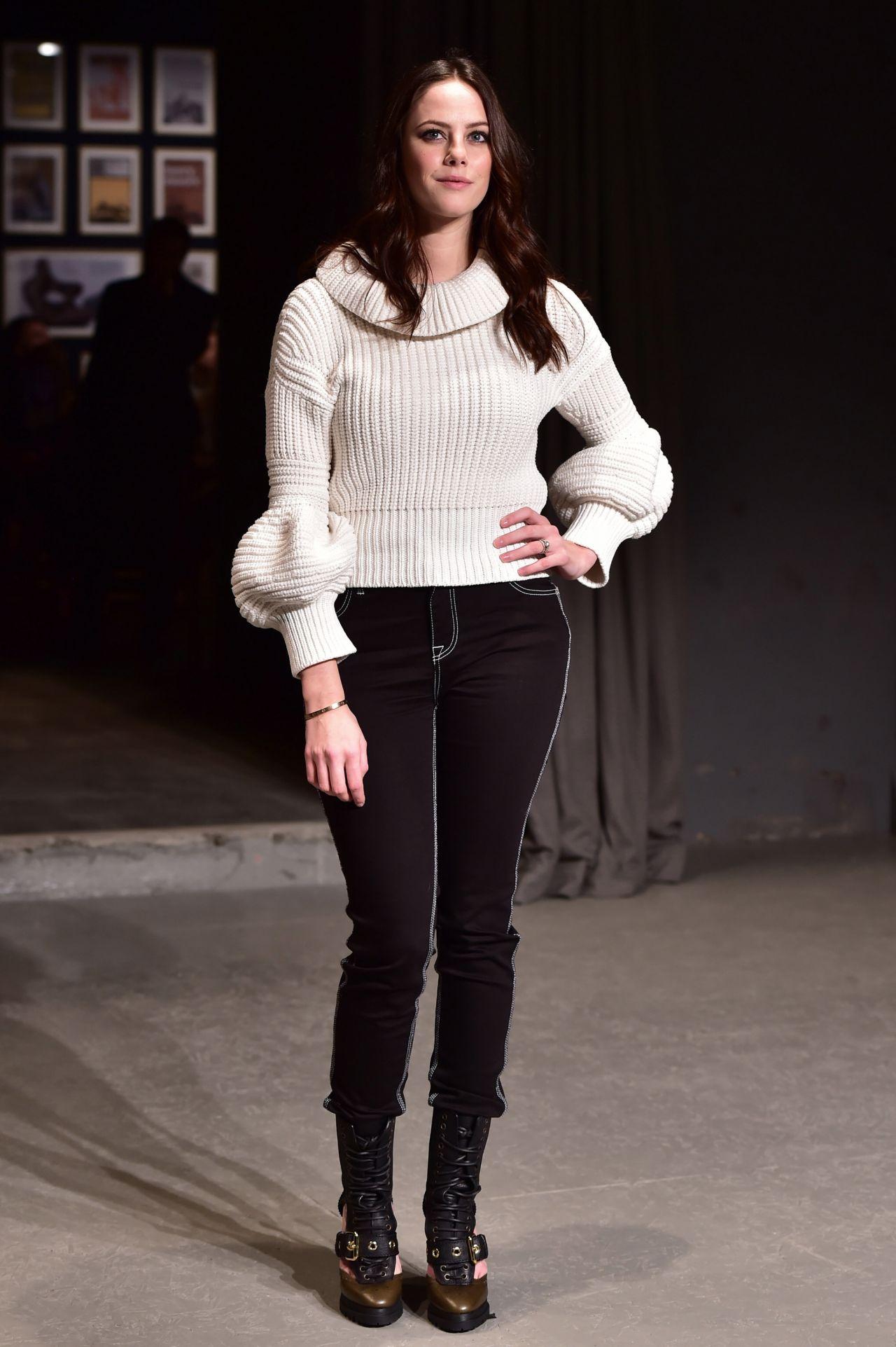 Kaya scodelario burberry fashion show in london 2 20 2017 - Burberry fashion show ...