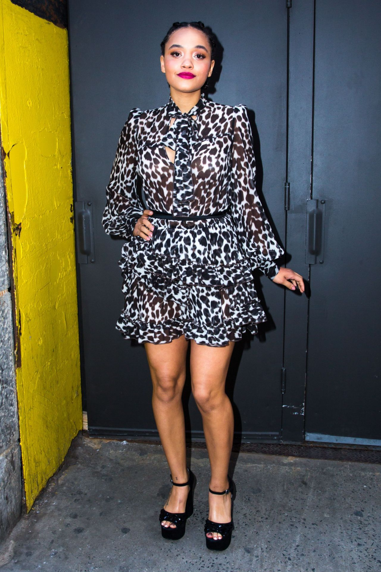 Kiersey clemons marc jacobs fashion show in nyc