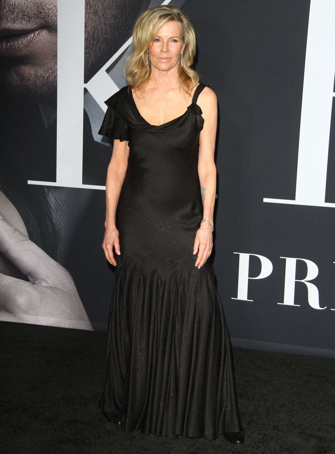Kim Basinger Nude Photos 8