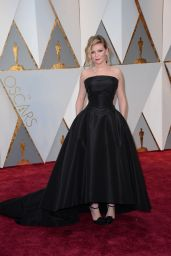 Kirsten Dunst – Oscars 2017 Red Carpet in Hollywood