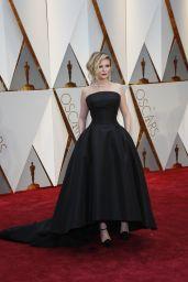 Kirsten Dunst – Oscars 2017 Red Carpet in Hollywood