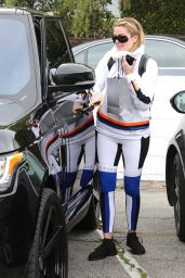 Kourtney & Khloe Kardashian - Hanging Out Together in Calabasas 2/5/ 2017