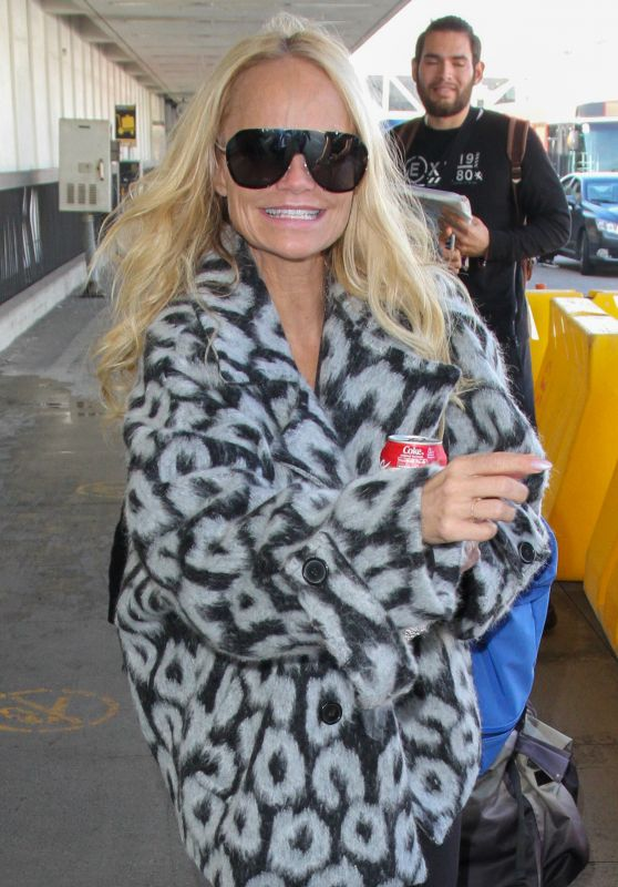 Kristin Chenoweth - Arrives at LAX in Los Angeles 2/9/ 2017
