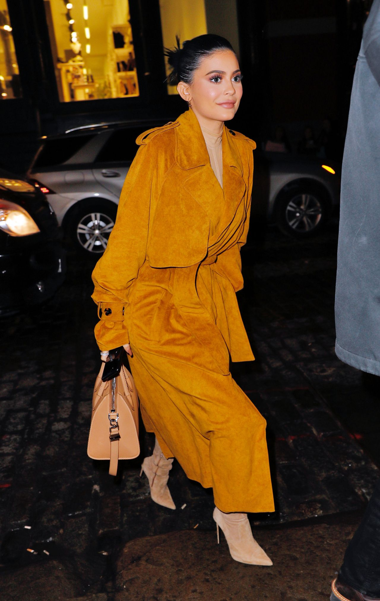 Kylie Jenner Style - N...