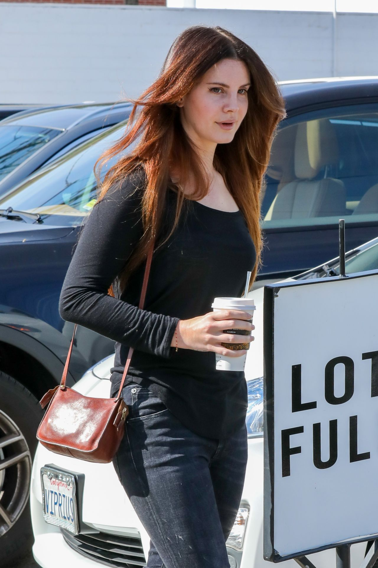 Lana Del Rey Leaving A Hair Salon In Beverly Hills 21 2017