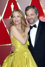 Leslie Mann – Oscars 2017 Red Carpet in Hollywood