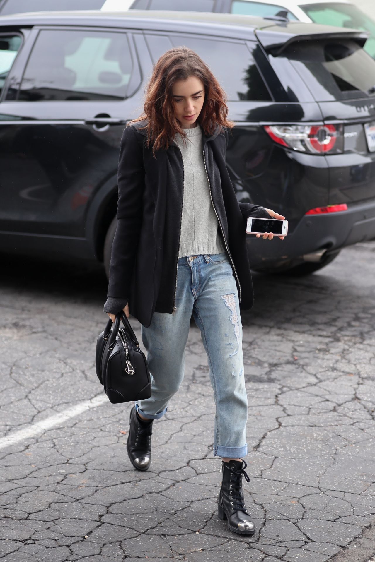 Lily Collins Casual Style - Grabs a Solo Lunch in Los