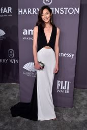 Liu Wen at amfAR New York Gala Red Carpet, 2/8/ 2017