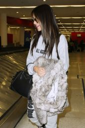 Madison Beer Travel Outfit - LAX Airport 2/14/ 2017