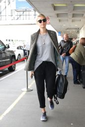 Maria Sharapova at LAX Airport in Los Angeles 2/8/ 2017