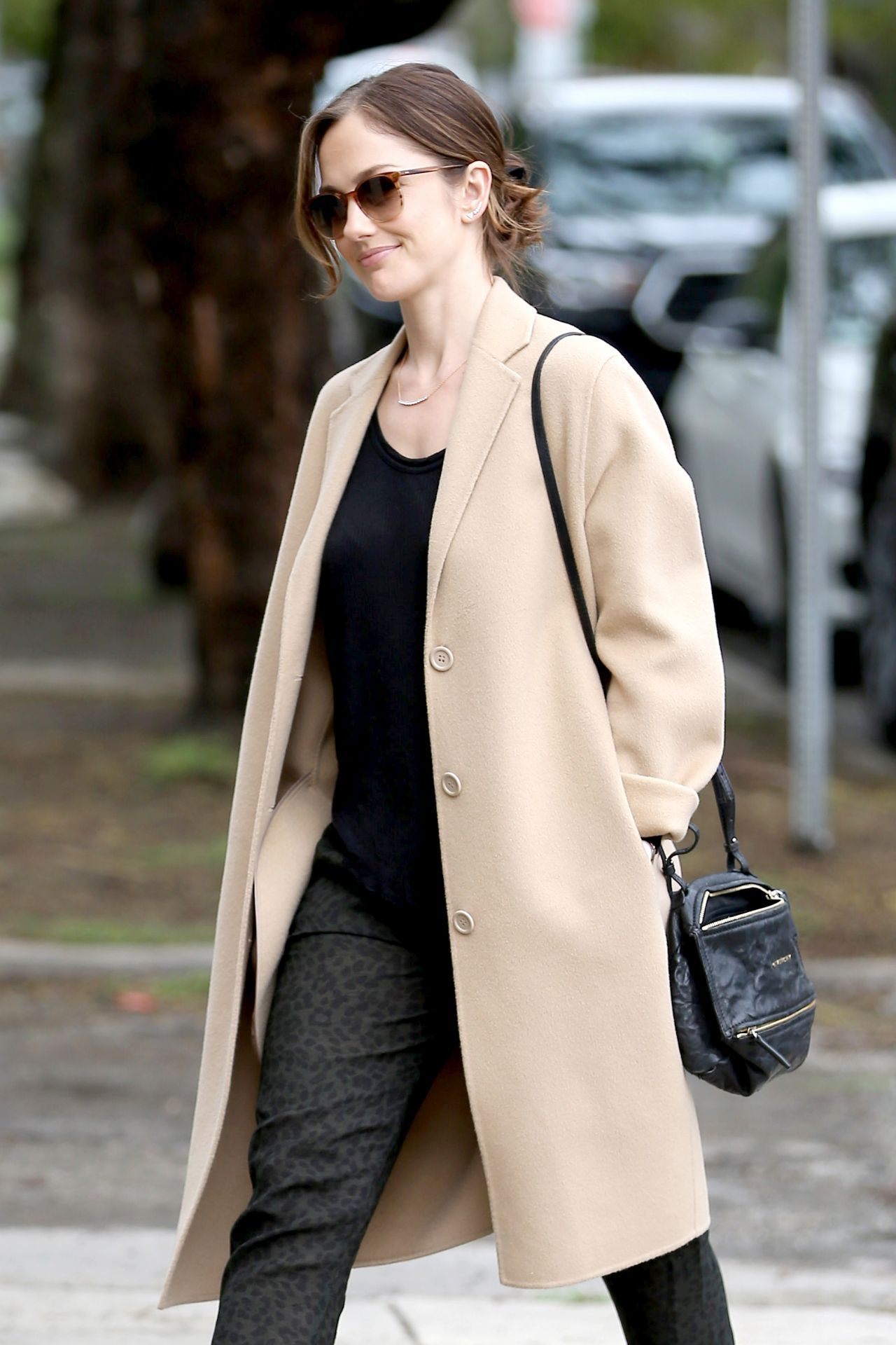 Minka Kelly - Goes Into a Skin Care Salon in Beverly Hills ...