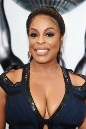 Niecy Nash at 48th NAACP Image Awards in Los Angeles 2/11/ 2017