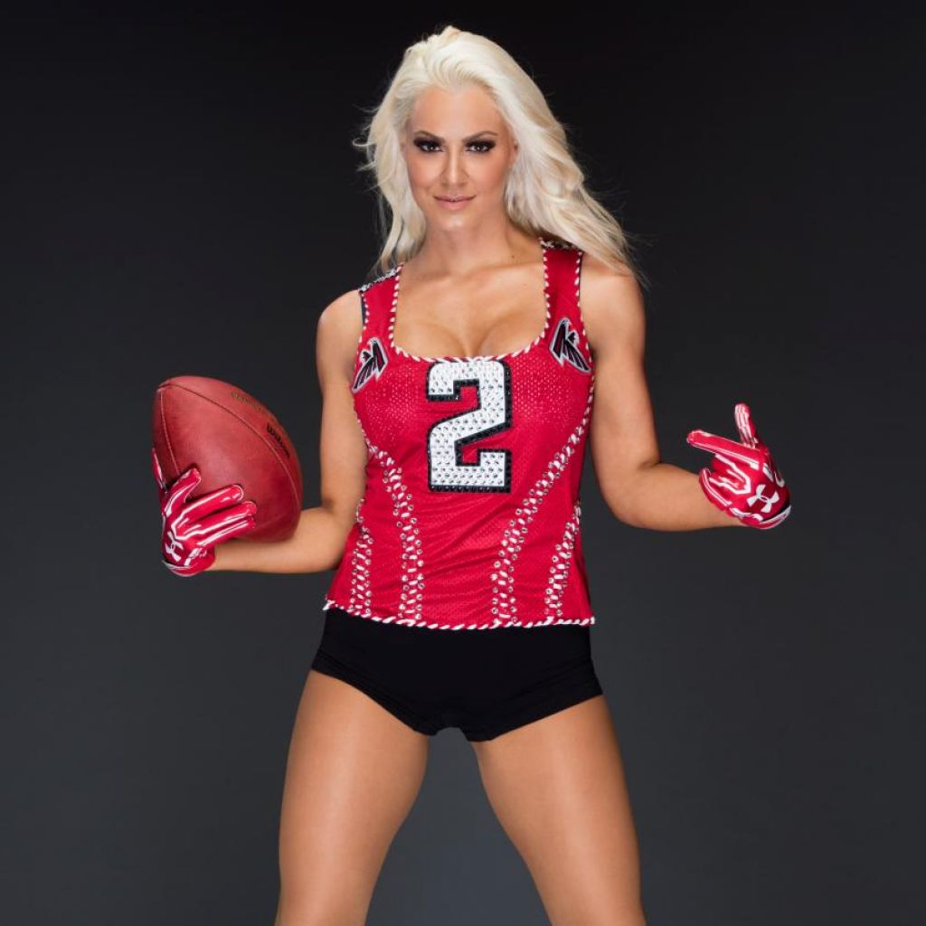Nikki Bella Amp Maryse Ouellet Super Bowl 2017 Wwe Photoshoot